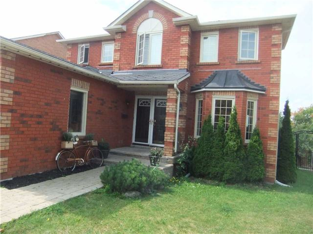 Detached at 67 Brushwood Crt, Barrie, Ontario. Image 1