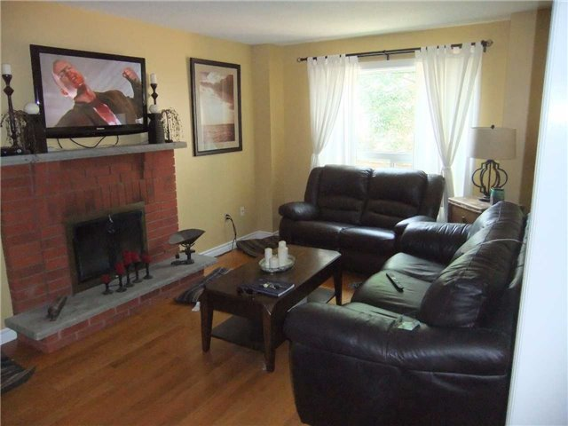 Detached at 67 Brushwood Crt, Barrie, Ontario. Image 14