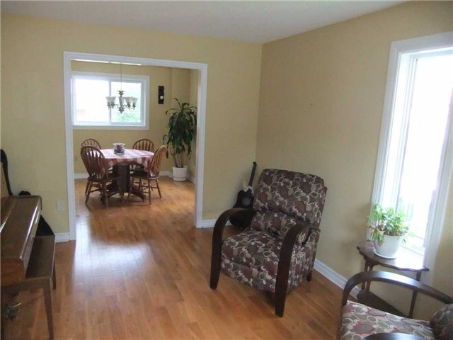 Detached at 67 Brushwood Crt, Barrie, Ontario. Image 3