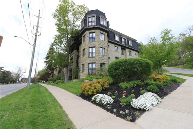 Condo Apartment at 200 Collier St, Unit 101, Barrie, Ontario. Image 1