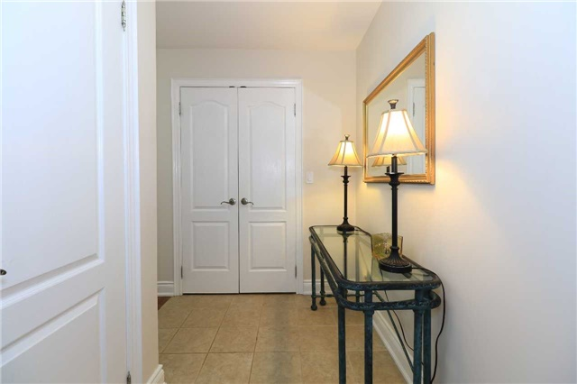 Condo Apartment at 200 Collier St, Unit 101, Barrie, Ontario. Image 12