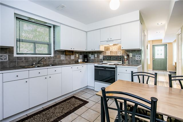Detached at 30 Oneida Cres, Tiny, Ontario. Image 4