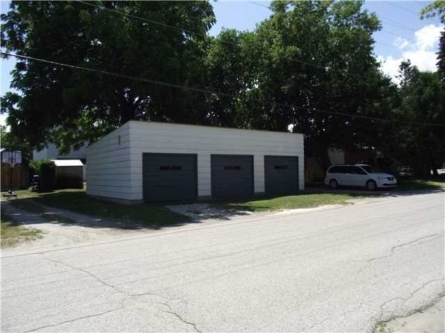 Detached at 7200 26  Hwy, Clearview, Ontario. Image 12