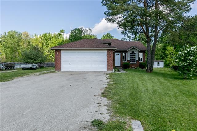 Detached at 18 Edgewood Cres, Clearview, Ontario. Image 1
