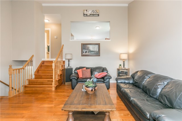 Detached at 18 Edgewood Cres, Clearview, Ontario. Image 16