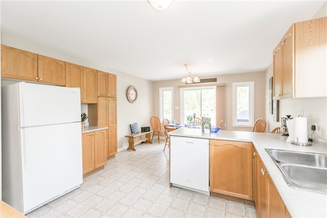 Detached at 18 Edgewood Cres, Clearview, Ontario. Image 18