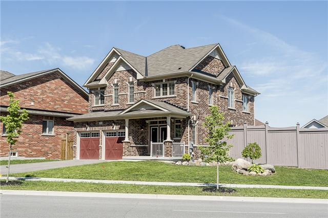 Detached at 98 Hanmer St W, Barrie, Ontario. Image 1
