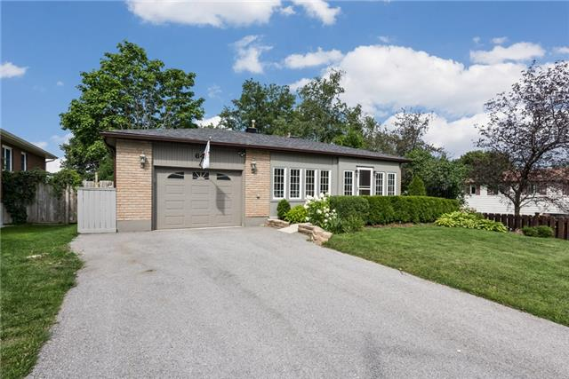 Detached at 64 Penetanguishene Rd, Barrie, Ontario. Image 1