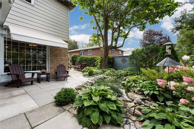 Detached at 64 Penetanguishene Rd, Barrie, Ontario. Image 18