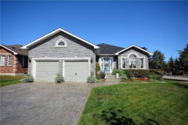 Detached at 53 Brookfield Cres, Barrie, Ontario. Image 12