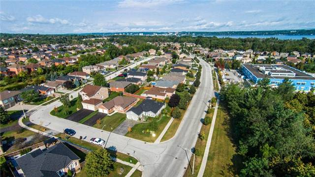 Detached at 53 Brookfield Cres, Barrie, Ontario. Image 15