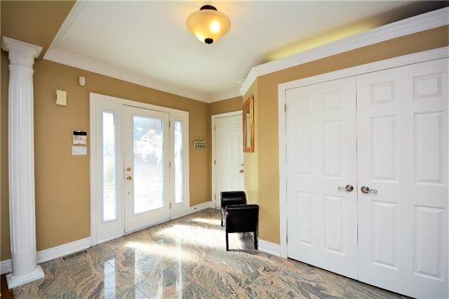 Detached at 53 Brookfield Cres, Barrie, Ontario. Image 16