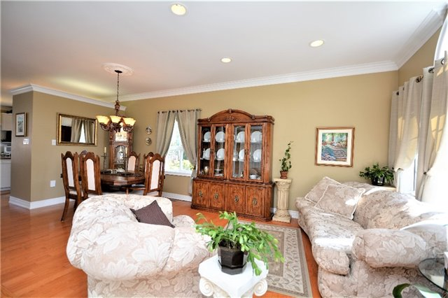 Detached at 53 Brookfield Cres, Barrie, Ontario. Image 17