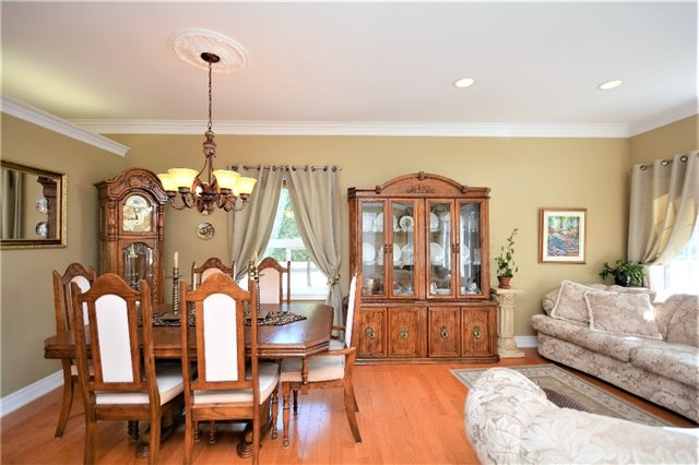 Detached at 53 Brookfield Cres, Barrie, Ontario. Image 18