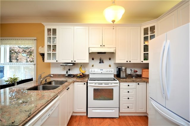 Detached at 53 Brookfield Cres, Barrie, Ontario. Image 19