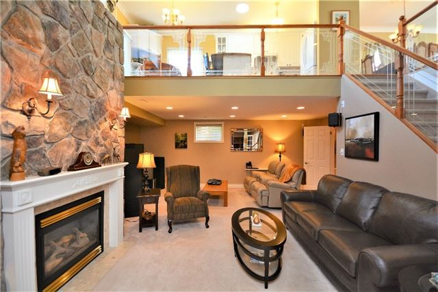 Detached at 53 Brookfield Cres, Barrie, Ontario. Image 3