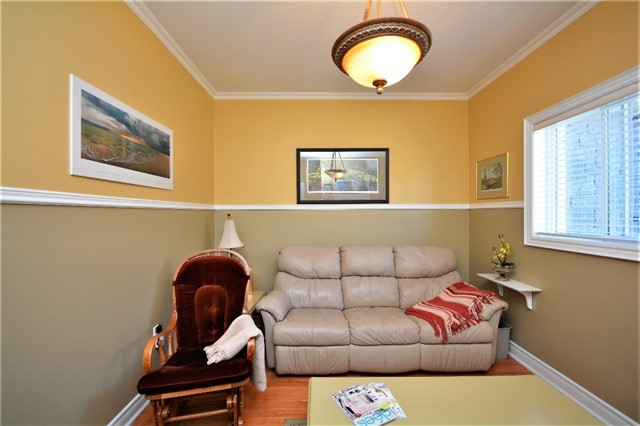 Detached at 53 Brookfield Cres, Barrie, Ontario. Image 10