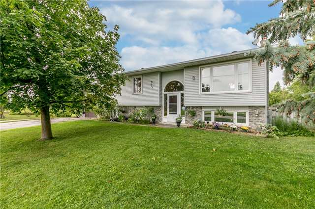 Detached at 200 Margaret St, Clearview, Ontario. Image 1