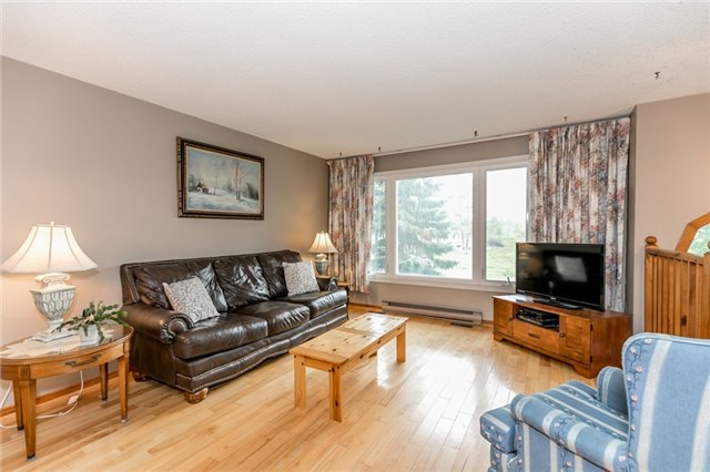 Detached at 200 Margaret St, Clearview, Ontario. Image 6