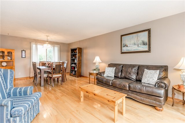 Detached at 200 Margaret St, Clearview, Ontario. Image 7