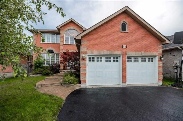Detached at 14 Knupp Rd, Barrie, Ontario. Image 1