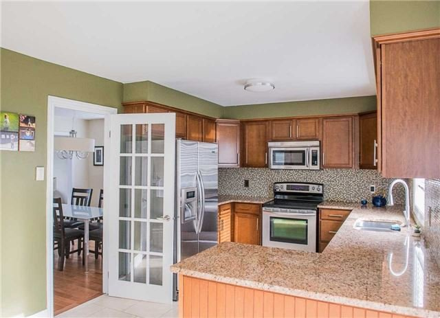 Detached at 14 Knupp Rd, Barrie, Ontario. Image 15