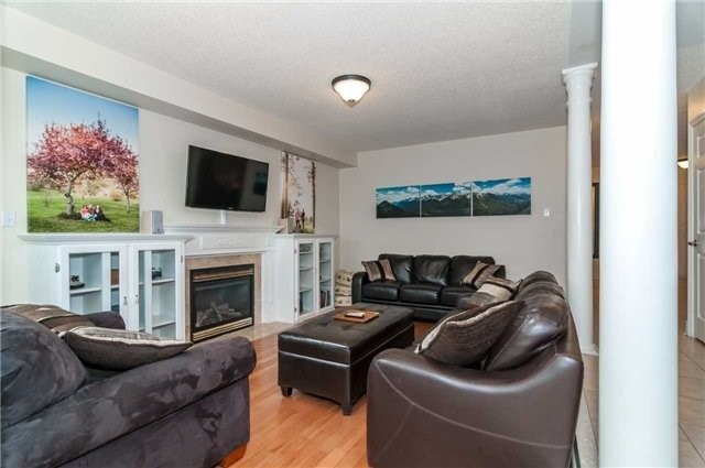 Detached at 14 Knupp Rd, Barrie, Ontario. Image 16