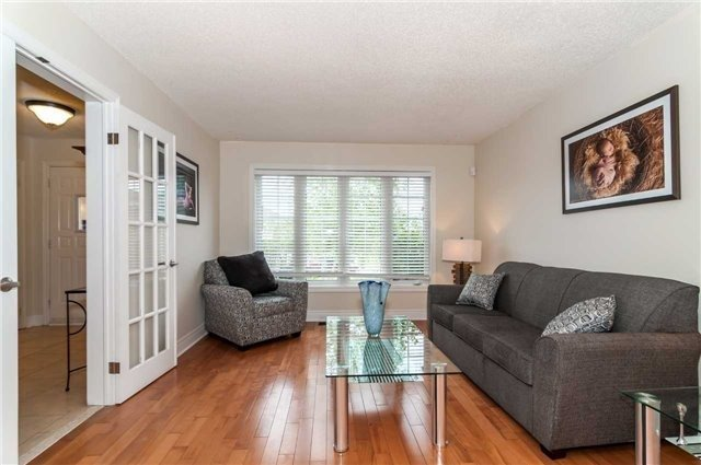 Detached at 14 Knupp Rd, Barrie, Ontario. Image 2