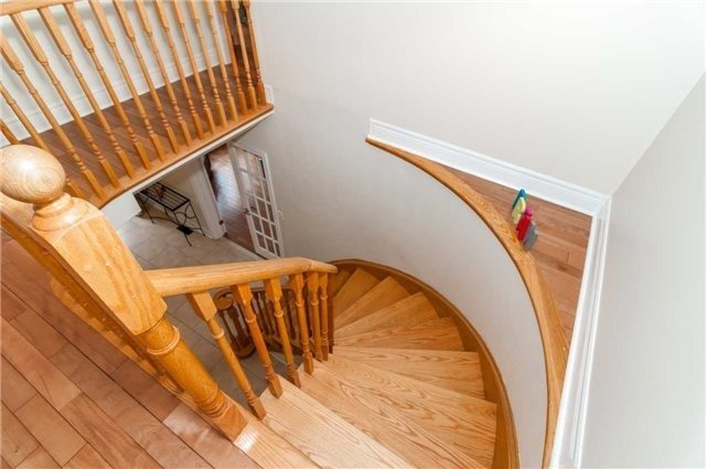 Detached at 14 Knupp Rd, Barrie, Ontario. Image 11