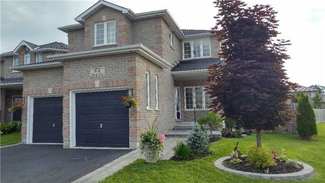 Detached at 84 Penvill Tr, Barrie, Ontario. Image 1