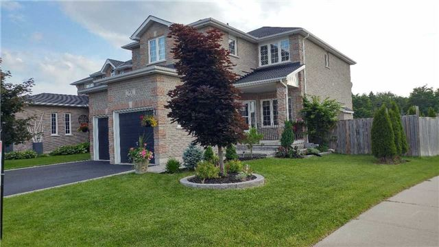 Detached at 84 Penvill Tr, Barrie, Ontario. Image 12