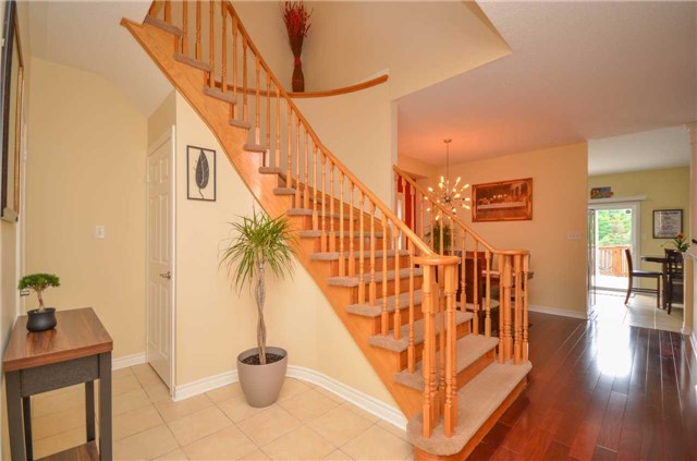 Detached at 84 Penvill Tr, Barrie, Ontario. Image 14