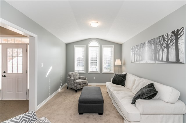 Detached at 50 Sun King Cres, Barrie, Ontario. Image 14