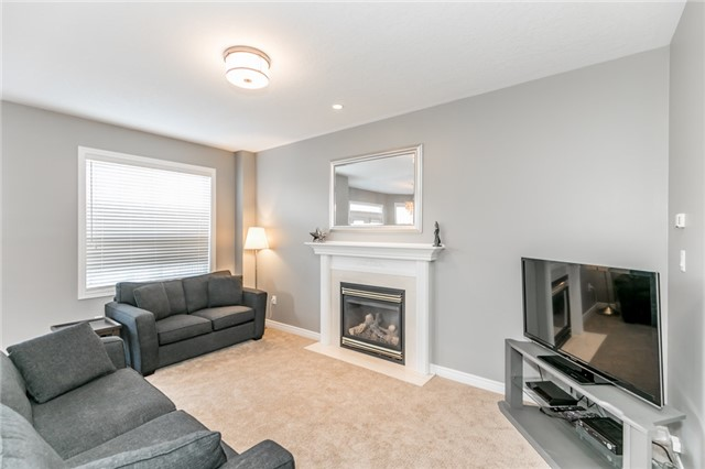 Detached at 50 Sun King Cres, Barrie, Ontario. Image 17