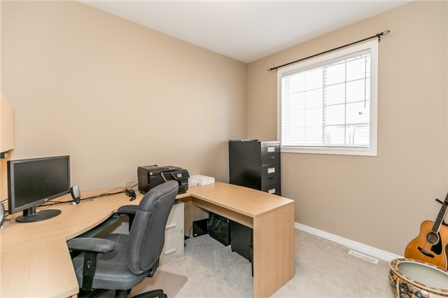 Detached at 50 Sun King Cres, Barrie, Ontario. Image 18