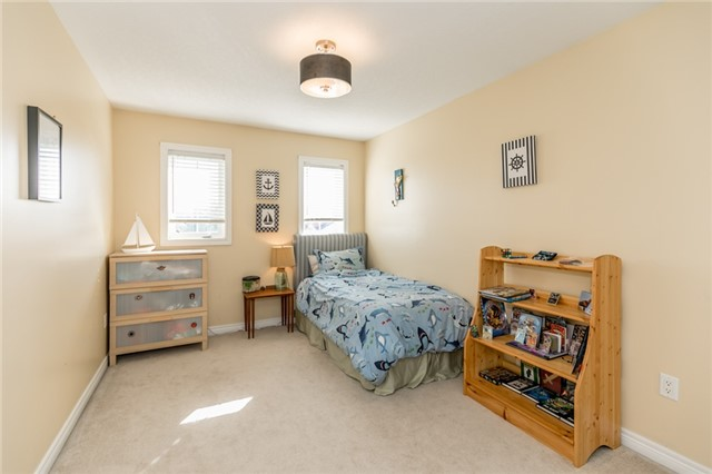 Detached at 50 Sun King Cres, Barrie, Ontario. Image 3