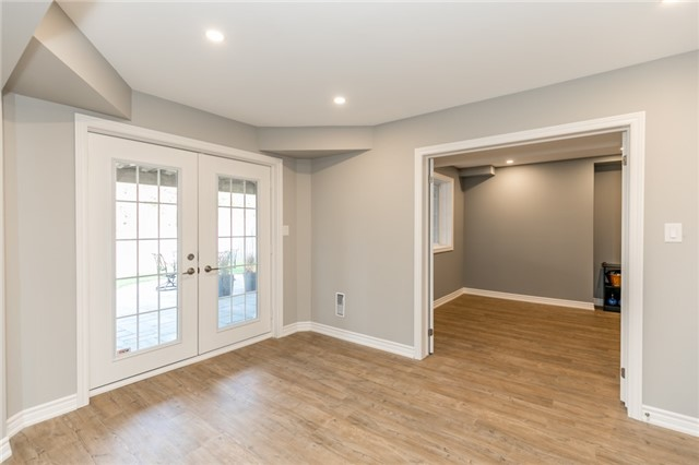Detached at 50 Sun King Cres, Barrie, Ontario. Image 7