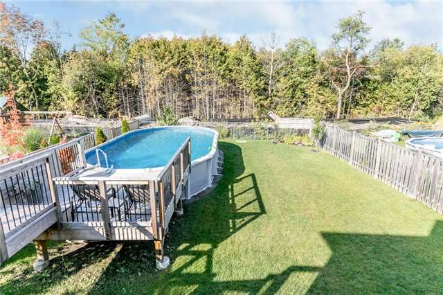Detached at 50 Sun King Cres, Barrie, Ontario. Image 10