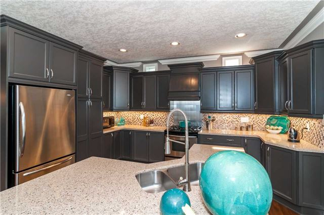 Detached at 146 Wildwood Tr, Barrie, Ontario. Image 16