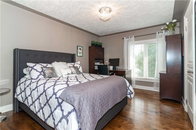 Detached at 146 Wildwood Tr, Barrie, Ontario. Image 6