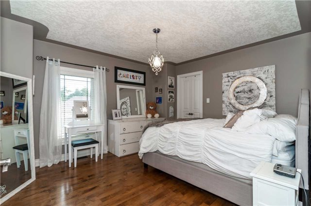 Detached at 146 Wildwood Tr, Barrie, Ontario. Image 7