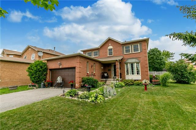 Detached at 8 Milne Crt, Barrie, Ontario. Image 1