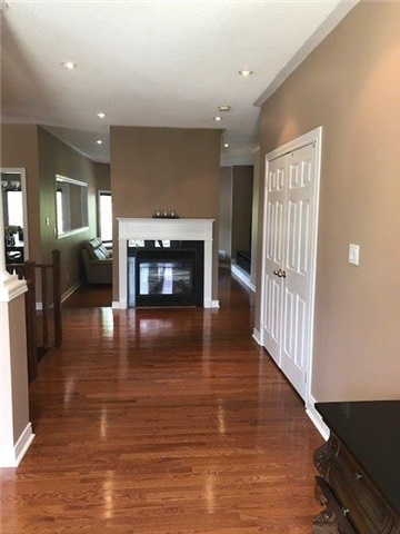 Detached at 60 Camelot Sq, Barrie, Ontario. Image 16