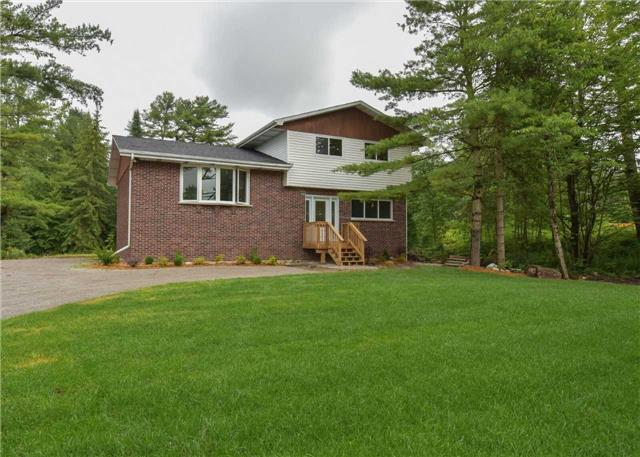 Detached at 3194 Coopers Falls Rd, Severn, Ontario. Image 1