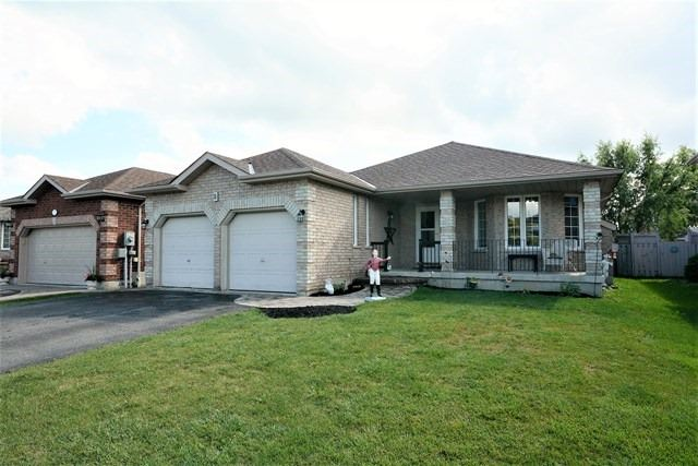 Detached at 5 Russell Hill Drive Dr, Barrie, Ontario. Image 1