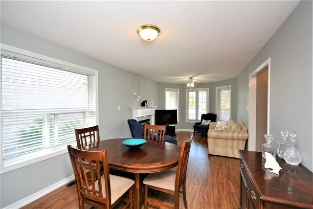 Detached at 5 Russell Hill Drive Dr, Barrie, Ontario. Image 16