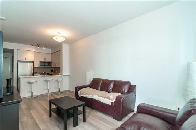 Condo Apartment at 111 Worsley St, Unit 407, Barrie, Ontario. Image 10
