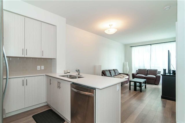 Condo Apartment at 111 Worsley St, Unit 407, Barrie, Ontario. Image 14
