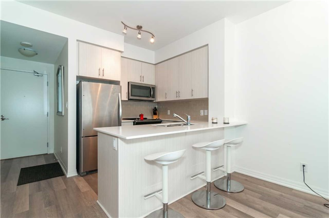 Condo Apartment at 111 Worsley St, Unit 407, Barrie, Ontario. Image 15