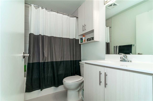 Condo Apartment at 111 Worsley St, Unit 407, Barrie, Ontario. Image 4